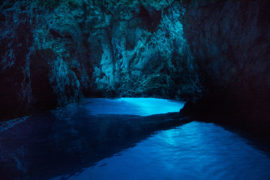 blue-cave-hvar-tour-split-trogir